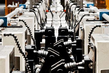 171129_-_NEDCON_-_Pardubice_productie_machine_lijn Nahlédněte pod pokličku výroby regálů NEDCON